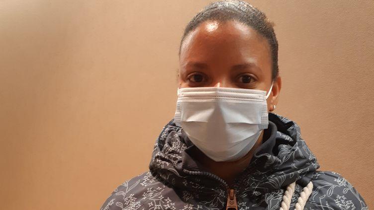 Christelle s'est portée volontaire pour devenir aide-soignante dans le groupe Korian. (SARAH LEMOINE / RADIO FRANCE)
