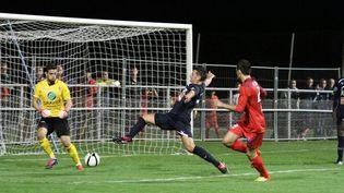 Match de la 8e journée de National entre Luzenac (Ariège) et Uzès Pont du Gard (Gard), disputé à Luzenac, le 18 septembre 2012. (  MAXPPP)