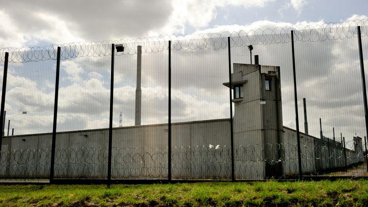 Un détenu s'est enfui, le 16 juillet 2013, de la prison de Sequedin (Nord). (PHILIPPE HUGUEN / AFP)