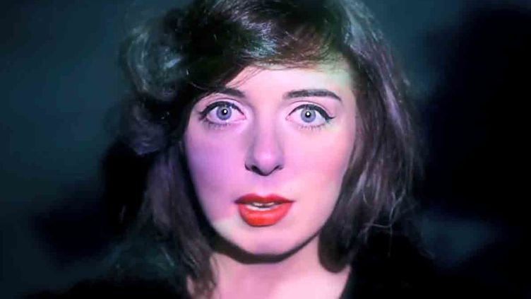 Miss Paramount  (Capture d'écran clip vidéo)