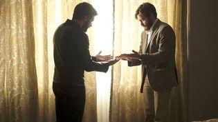 """Jake Gyllenhaal dans le double rôle d'Adam et de son sosie dans """"Enemy"""" de Denis Villeneuve  (capelight pictures )"""