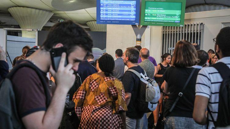La pagaille en gare de Montparnasse, à Paris, vendredi 27 juillet (FRÉDÉRIC DUGIT / MAXPPP)
