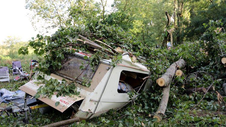 Une minitornade a fait un mort et quatre blessés, le 20 juillet 2014, dans un camping de Saint-Just-d'Ardèche. (MAXPPP)