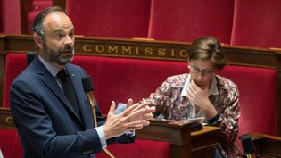 Le Premier ministre, Edouard Philippe, s'exprime à l'Assemblée nationale, le 21 avril 2020. (JACQUES WITT / AFP)