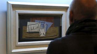 Le tableau remportée, intitulé Nature Morte, de Pablo Picasso, exposée à Madrid (Espagne), le 25 février 2015. (SERGIO BARRENECHEA / EFE)