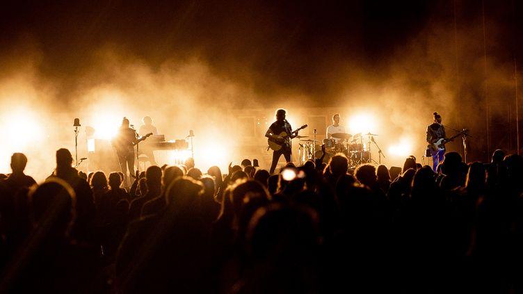 Un concert sans jauge et sans masque à Burgos, en Espagne, le 28 juin 2021. (COOLMEDIA / NURPHOTO)