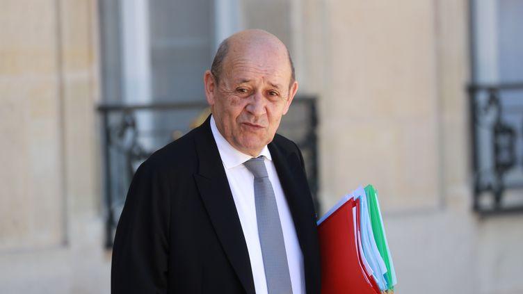 Le ministre des Affaires étrangères, Jean-Yves Le Drian, après un conseil des ministres, mercredi 24 juin 2020. (LUDOVIC MARIN / AFP)