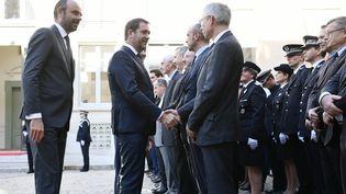 Le Premier ministre, Edouard Philippe, et le nouveau ministre de l'Intérieur, Christophe Castaner, placeBeauvau, à Paris, le 16 octobre 2018. (PHILIPPE LOPEZ / AFP)