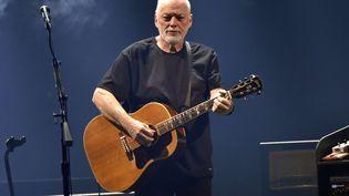 David Gilmour sur scène le 4 avril 2016 à Chicago (ROB GRABOWSKI / AP / SIPA)