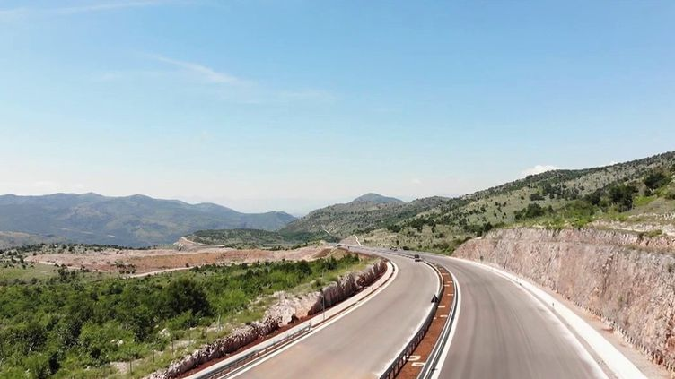 Monténégro : la construction d'une autoroute financée par la Chine tourne au fiasco (France 2)