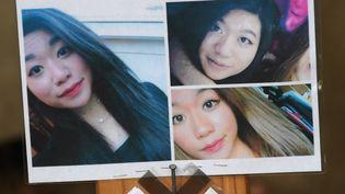 Des clichés de Sophie Le Tan exposés afin de rendre hommage à la jeune femme alors considérée comme disparue, le 20 septembre 2018 àSchiltigheim (Bas-Rhin). (FREDERICK FLORIN / AFP)