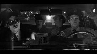 """The Black Lips dans le clip de """"Raw Meat"""".  (Réalisateur Phil Pinto)"""