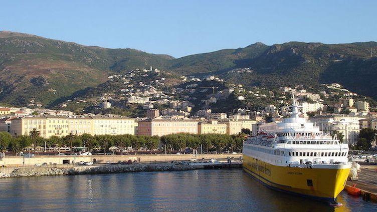 Corse : le transport du 2e parent d'enfant malade pris en charge dès 2020 (Crédits Photo : Wikimedia Commons / Pinpin)