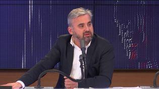 """Alexis Corbière, député La France insoumise de Seine-Saint-Denis, était l'invité du """"8h30 franceinfo"""", mercredi 30 décembre 2020. (FRANCEINFO / RADIOFRANCE)"""
