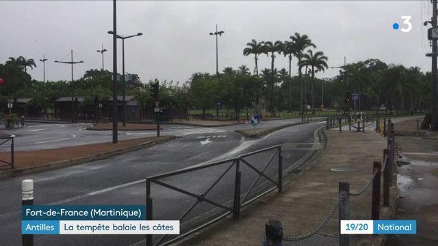 Antilles : la tempête balaie les côtes
