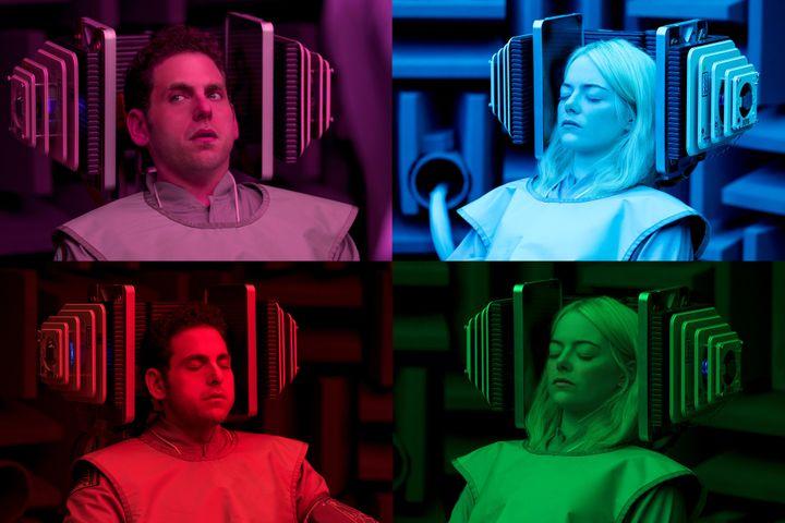 Jonah Hill et Emma Stone dans la peau de deux cobayes pour une expérience clinique qui va mal tourner.  (Michele K. Short / Netflix; )