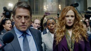 """Jonathan (Hugh Grant) et Grace Frasier (Nicole Kidman) dans la série """"The Undoing"""", disponible sur OCS à partir du 26 octobre 2020. (HBO)"""