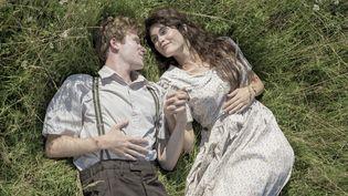 """Mark Rendall et Gemma Arterton dans """"L'histoire de l'amour""""  (Wild Bunch Distribution)"""