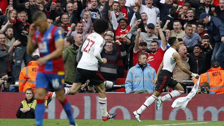 Lingard donne sa 12e Cup à Manchester United (ADRIAN DENNIS / AFP)