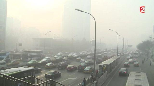 Pollution en Chine : une loterie et des enchères pour avoir sa plaque d'immatriculation