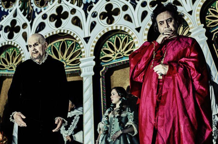 Michel Bouquet est Orgon, Michel Fau, Tartuffe  (Marcel Hartmann)