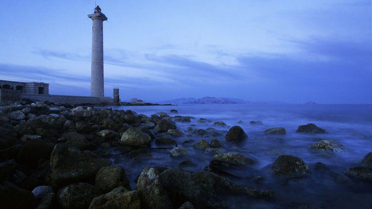 L'île de Planier, qui ferme le port de Marseille (Bouches-du-Rhône), où deux corps de plaisanciers ont été retrouvés, le 22 juillet 2012. (MOIRENC CAMILLE / HEMIS.FR / AFP)