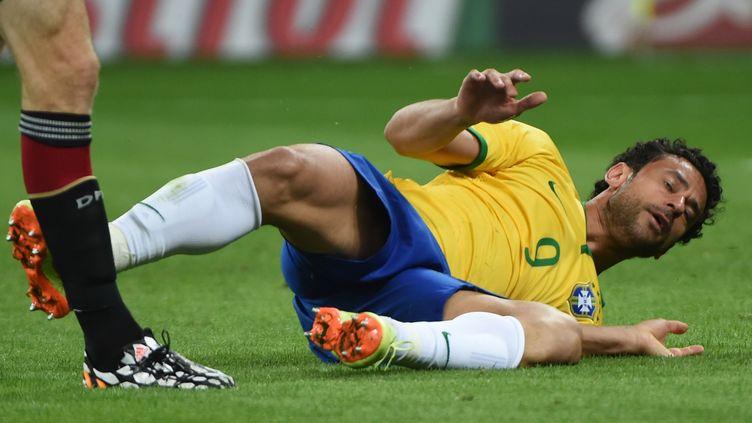 Le Brésilien Fred, lors de la défaite de son équipe face à l'Allemagne, en demi-finale de la Coupe du monde, mardi 8 juillet 2014, à Belo Horizonte (Brésil). (PEDRO UGARTE / AFP)