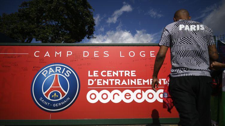 L'entrée du centre d'entraînement du Paris-Saint-Germain, le 3 août 2017. (LIONEL BONAVENTURE / AFP)