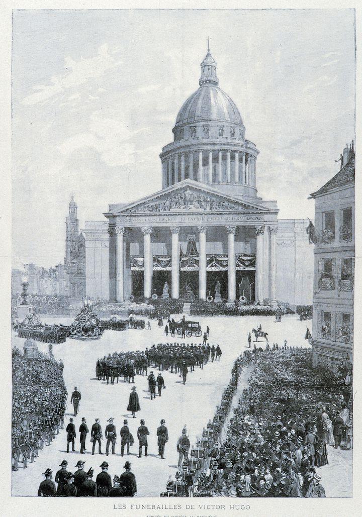 """""""Les Funérailles de Victor Hugo"""", gravure sur bois, anonyme, 1885. (AGLILEO COLLECTION / AGLILEO / AURIMAGES VIA AFP)"""