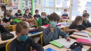 Écoles : la rentrée des classes inquiète les enseignants (France 2)