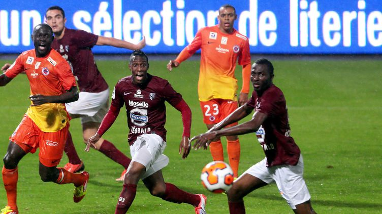 Ngbakato et Nsor à l'attaque (FC Metz) (PASCAL BROCARD / MAXPPP)