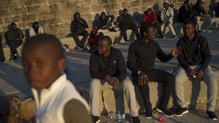 Migrants à leur arrivée à Tarifa (Espagne) le 26 juillet 2018 (JORGE GUERRERO / AFP)