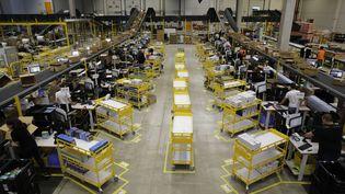 La plateforme logistique d'Amazon de Douai, le 6 novembre 2017. (ARNAUD DUMONTIER / MAXPPP)