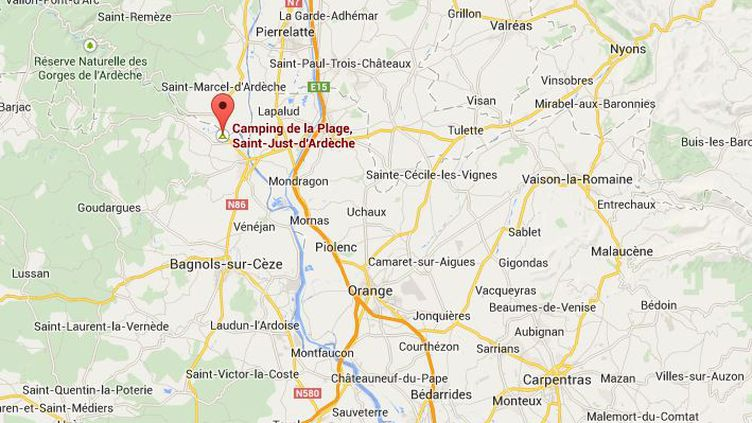 Capture d'écran Google Maps poitant sur le camping de la plage à Saint-Just D'Ardèche, à la limite avec le Gard. ( GOOGLE MAPS / FRANCETV INFO )
