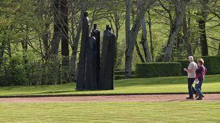 """Exposition """"La forêt des autres"""", dix sculptures de bois réalisées par Christian Lapie (France 3 Nouvelle Aquitaine)"""