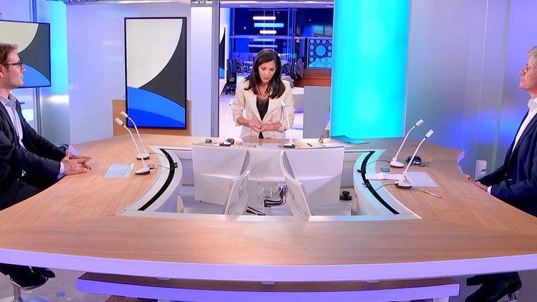Le nom du futur chancelier allemand devrait être connu après de nombreuses tractations qui pourraient durer plusieurs semaines. Thomas Walde, directeur du studio de la ZDF à Paris et Paul Maurice, cherche au comité d'études des relations franco-allemandes à l'IFRI sont les invités du JT de 23h de franceinfo. (CAPTURE ECRAN / FRANCEINFO)
