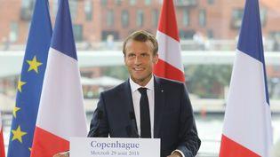 Emmanuel Macron, lors d'un discours au Théatre royal, à Copenhague, le 29 août 2018. (LUDOVIC MARIN / AFP)