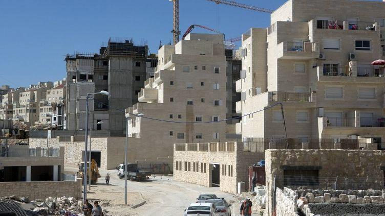 Construction de logements àHar Homa, une ville située à Jérusalem-Est (Israël), le 27 février 2013. (MENAHEM KAHANA / AFP)