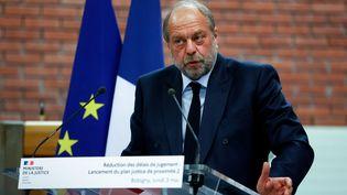 Eric Dupond-Moretti prend la parole lors de la cérémonie de remise du rapport sur la réduction des délais judiciaires, au tribunal judiciaire de Bobigny (Seine-Saint-Denis), le 3 mai 2021. (THOMAS SAMSON / AFP)