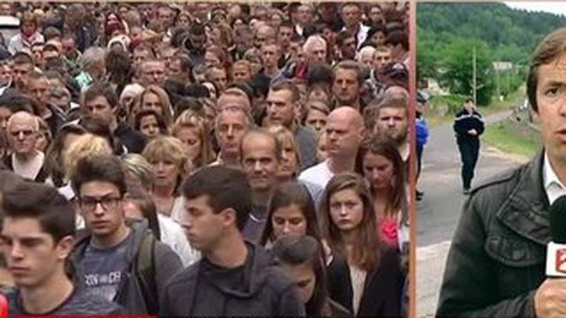 À Bas-en-Basset, une marche silencieuse réunit 3000 personnes