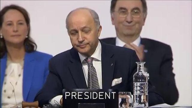 COP21 : Laurent Fabius aux bords des larmes
