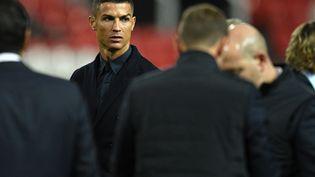 L'attaquant de la Juventus Turin, Cristiano Ronaldo, dans le stade Old Traffort de Manchester, au Royaume-Uni, le 22 octobre 2018. (OLI SCARFF / AFP)