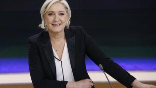 Marine Le Pen, le 24 avril 2017 sur le plateau de france 2. (PATRICK KOVARIK / AFP)