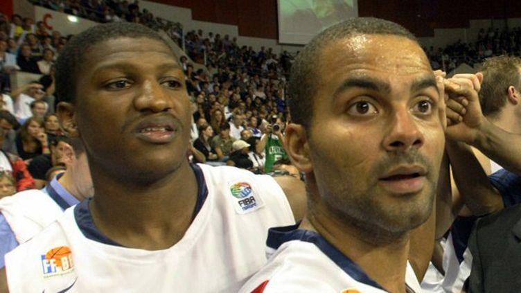 Yakhouba Diawara et Tony Parker en Bleu en 2008