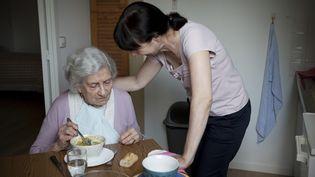 La démence, dont la maladie d'Alzheimer, est l'un des plus grand défis de santé publique avec 44 millions de cas dans le monde, un nombre qui devrait tripler d'ici 2050 avec le vieillissement rapide de la population. ( GETTY IMAGES )