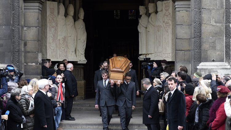 L'hommage à Jacques Chancel s'est déroulé devant un millier de personnes, célèbres ou anonymes, en l'église de Saint-Germain-des-Prés, à Paris, le 6 janvier 2015. (MARTIN BUREAU / AFP)