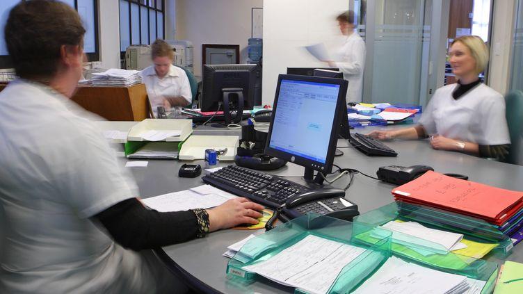Un secrétariat médical. Photo d'illustration. (MAXPPP)