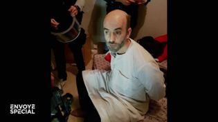 Le braqueur multi-récidiviste Redoine Faïd lors de son interpellation, le 3 octobre 2018, à Creil (Oise). (EDOUARD DA COSTA / FRANCE 3)