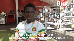 Trois lycéens assignent l'Etat en justice pour discrimination raciale suite à un contrôle d'identité Gare du Nord, le 1er mars dernier. Mamadou est l'un d'entre eux, il a raconté son histoire à Brut.  (Brut)