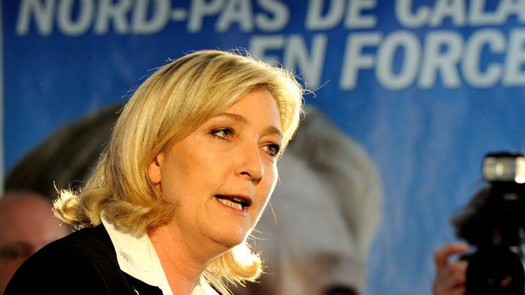Marine Le Pen, la présidente du FN, lance publiquement sa campagne aux élections législatives de juin à Hénin-Beaumont (Pas-de-Calais), le 14 mai 2012. (DENIS CHARLET / AFP)